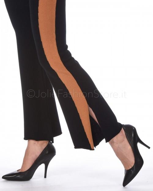 3.7 Pantalone a Zampa Nero con Banda Laterale Marrone