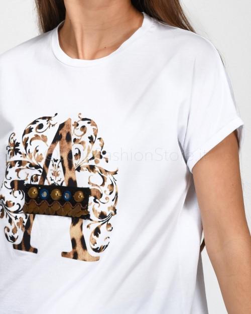 Alessandra Chamonix T-Shirt Bianca con Logo Leo ed Applicazioni